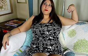 Super cute chubby honey loves talking nasty &amp_ fucking her fat juicy pussy